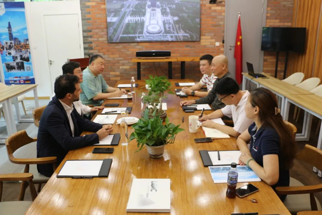 Chinese and foreign entrepreneurs visit the Overseas Affairs Department of Lingang Innovation Center-SHLINGANGIC